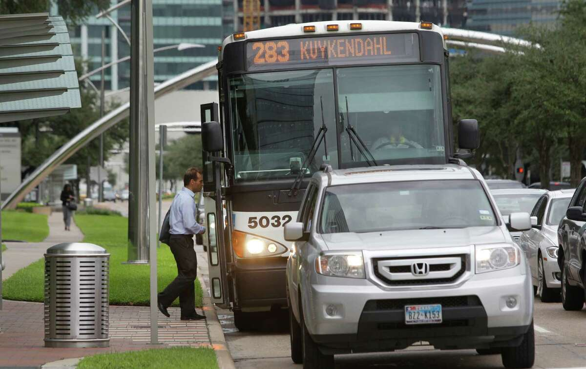 A proposed Uptown bus rapid transit system is intended to relieve traffic congestion in the Galleria area, including along Post Oak near Westheimer. ( Melissa Phillip / Houston Chronicle)