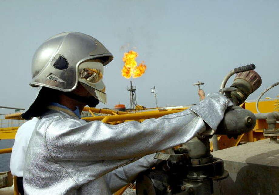 #7 Iran, 3.24 million barrels per day Photo: BEHROUZ MEHRI, AFP/Getty Images