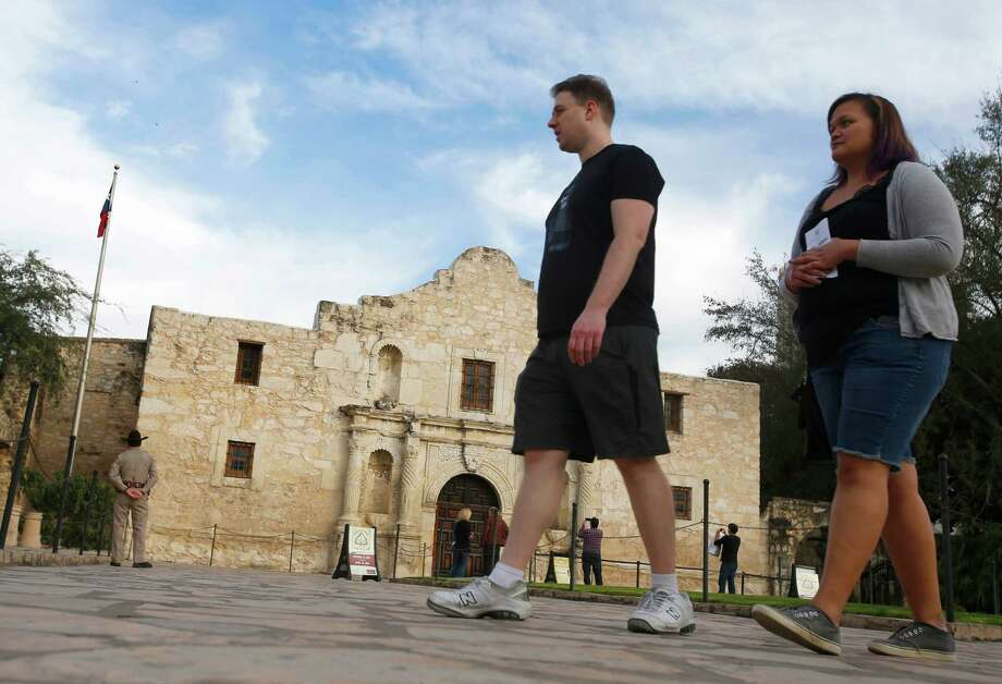 Texas lawmakers are continuing the forward momentum for the Alamo and the Alamo Plaza with funding and a law mandating city and state cooperation on plans for improvements. Photo: William Luther /San Antonio Express-News / @2015 San Antonio Express-News