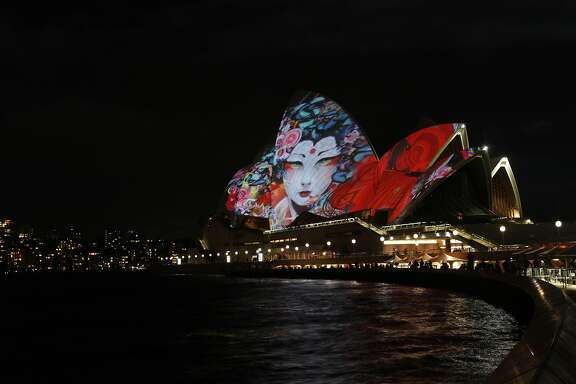 Obscura Digital created a projection for the Sydney Opera House. A connected projection played inside for the audience.