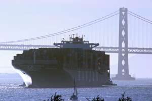 Port of Oakland operating at full speed after labor strife - Photo