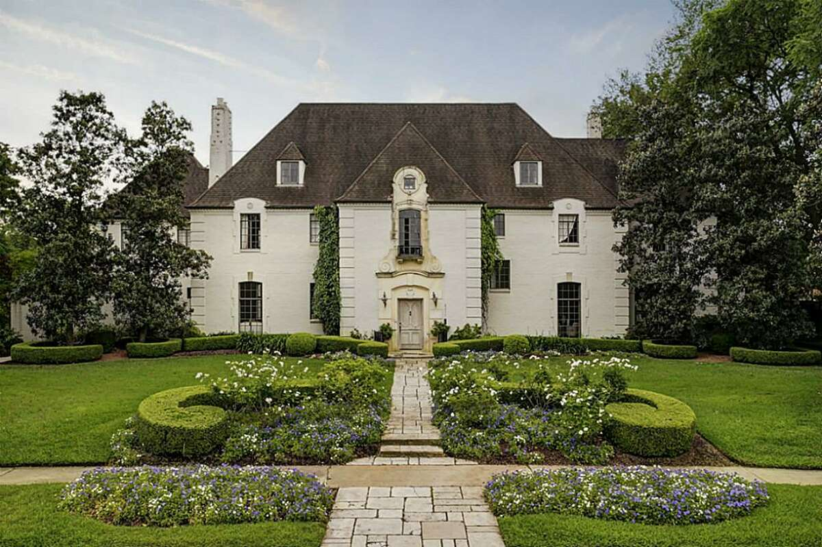 The Judge and Mrs. J.A. Platt House at 3311 Del Monte Dr. in River Oaks Country Club Estates. The French Renaissance-stylehouse was built in 1936 by contractor E.T. Seymour of Beaumont from a Joseph Finger design. (City of Houston)