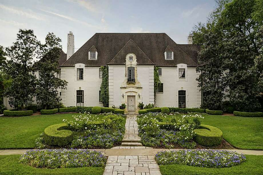 The Judge and Mrs. J.A. Platt House at 3311 Del Monte Dr. in River Oaks Country Club Estates. The French Renaissance-stylehouse was built in 1936 by contractor E.T. Seymour of Beaumont from a Joseph Finger design. (City of Houston) Photo: Houston Association Of Realtors
