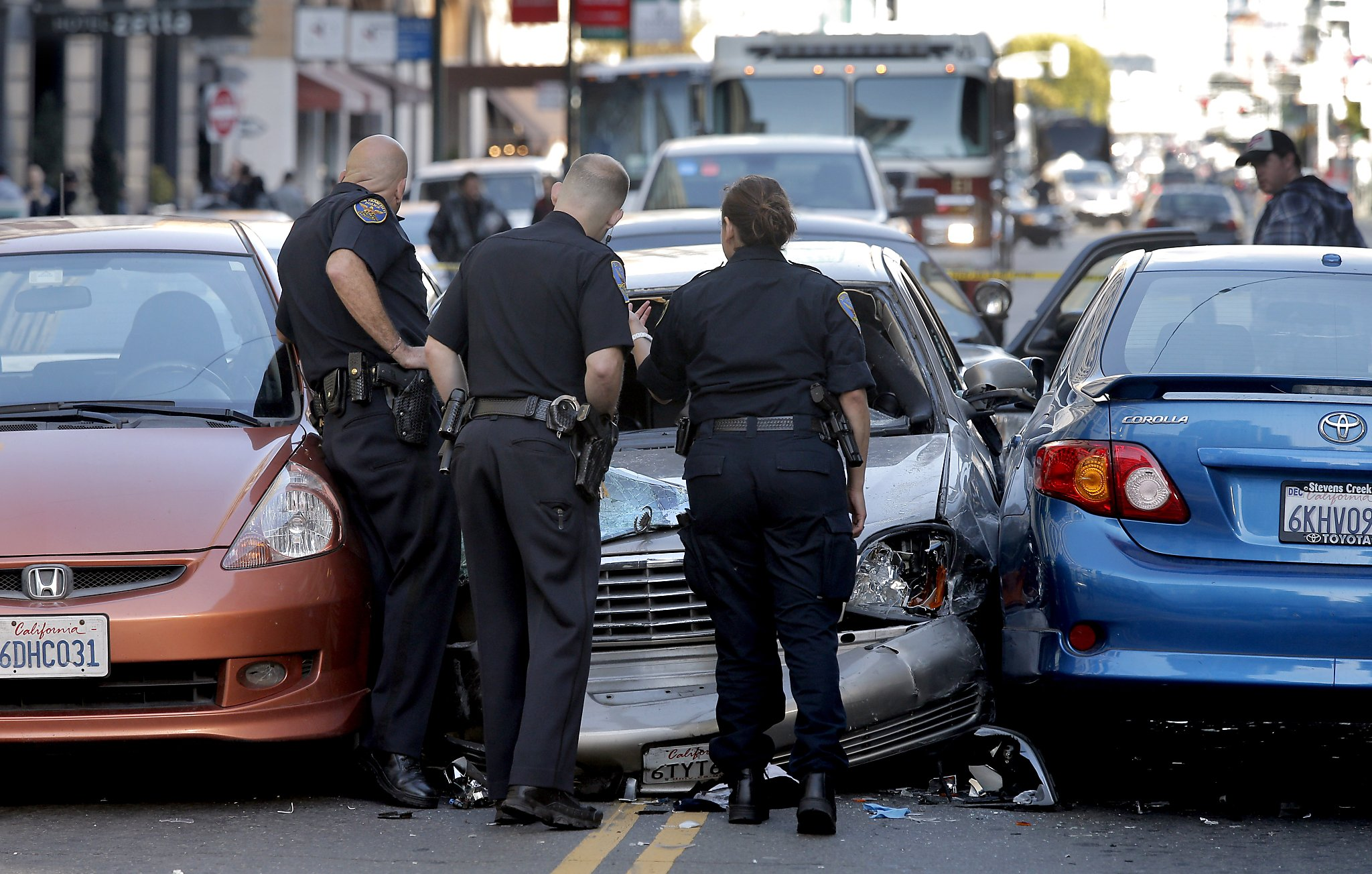 police pursuits of criminals essay The institute's mission is to develop knowledge about crime, its  restrictive policies for high-speed police pursuits by hugh nugent edward f connors, ill j thomas mcewen and lou mayo ncj 122025  defining restrictive policies for high-speed pursuits in brower v.