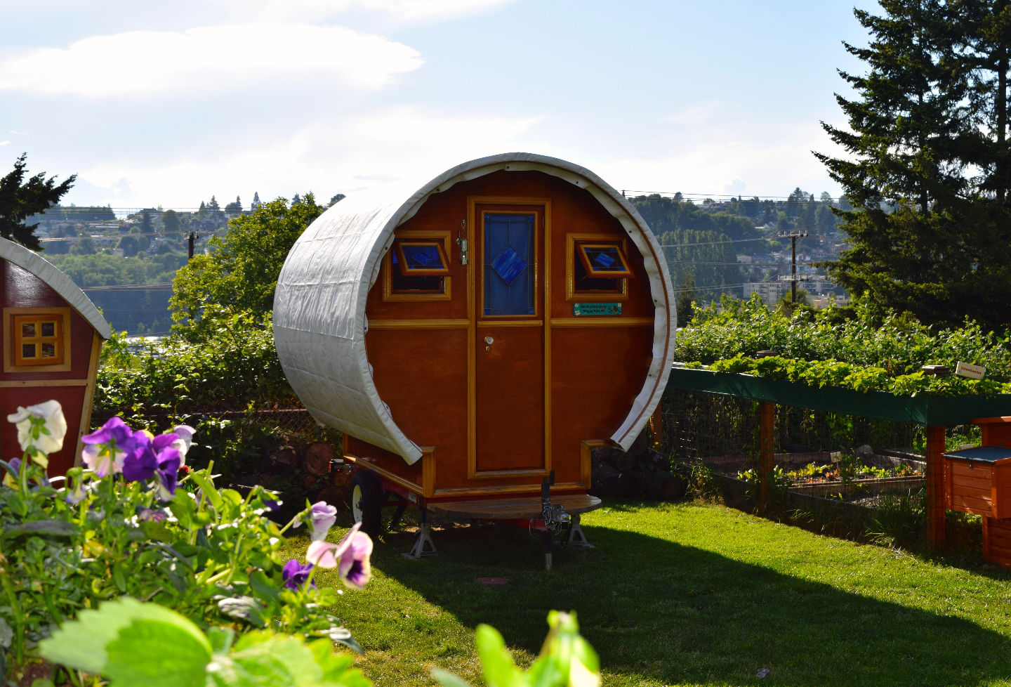 Photos Tiny House Seattle Wa: Unique Airbnb Spots In Seattle