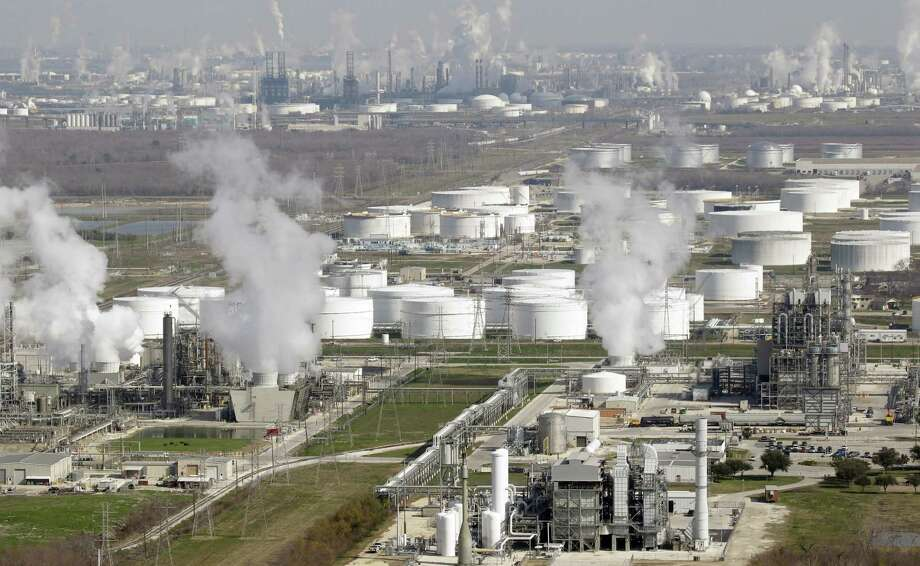 Refineries along the Houston Ship Channel and elsewhere soon will begin fall maintenance that could cut U.S. crude oil demand by 1.3 million barrels a day. (AP Photo/David J. Phillip, File) Photo: David J. Phillip, STF / AP