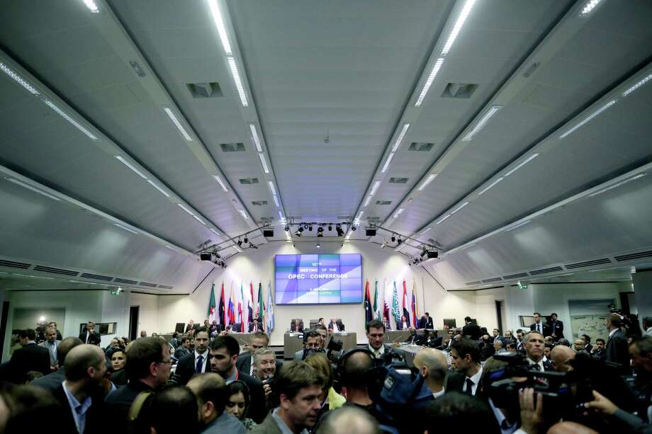 Delegates and the media arrive ahead of the 167th Organization of the Petroleum Exporting Countries conference in Vienna. A sense of stability at the meeting seemed to calm oil markets. Photo: Lisi Niesner /BC / © 2015 Bloomberg Finance LP