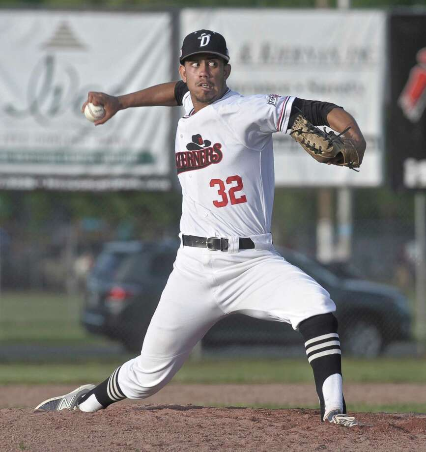 Westerners pitcher Jeffery Ledesma (32) during the Ocean State Waves at the Danbury Westerners New England Collegiate Baseball League game at Rogers Park on Friday night, June 5, 2015, in Danbury, Conn. Photo: H John Voorhees III, Staff Photographer / The News-Times
