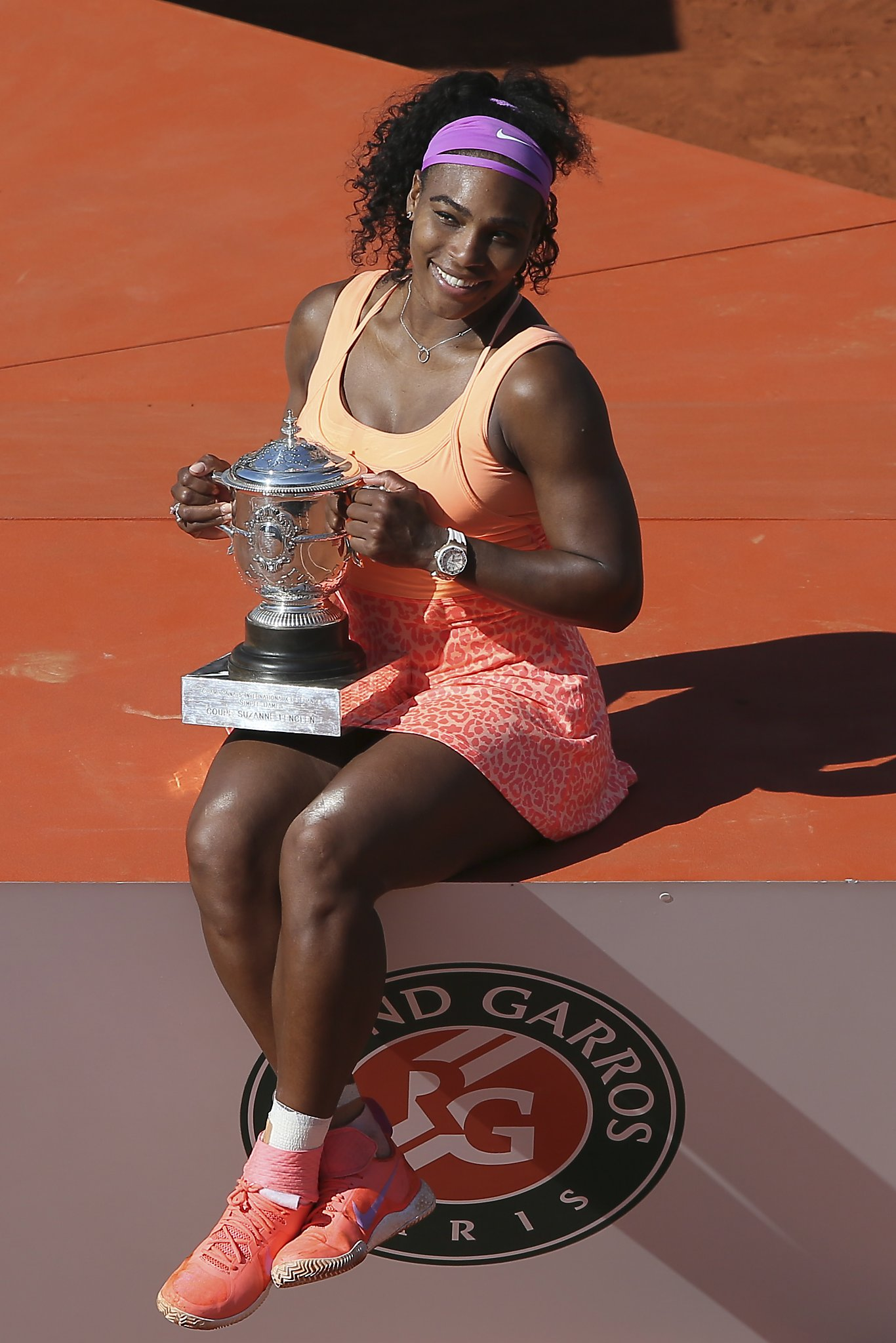serena williams adds another french open title to resume