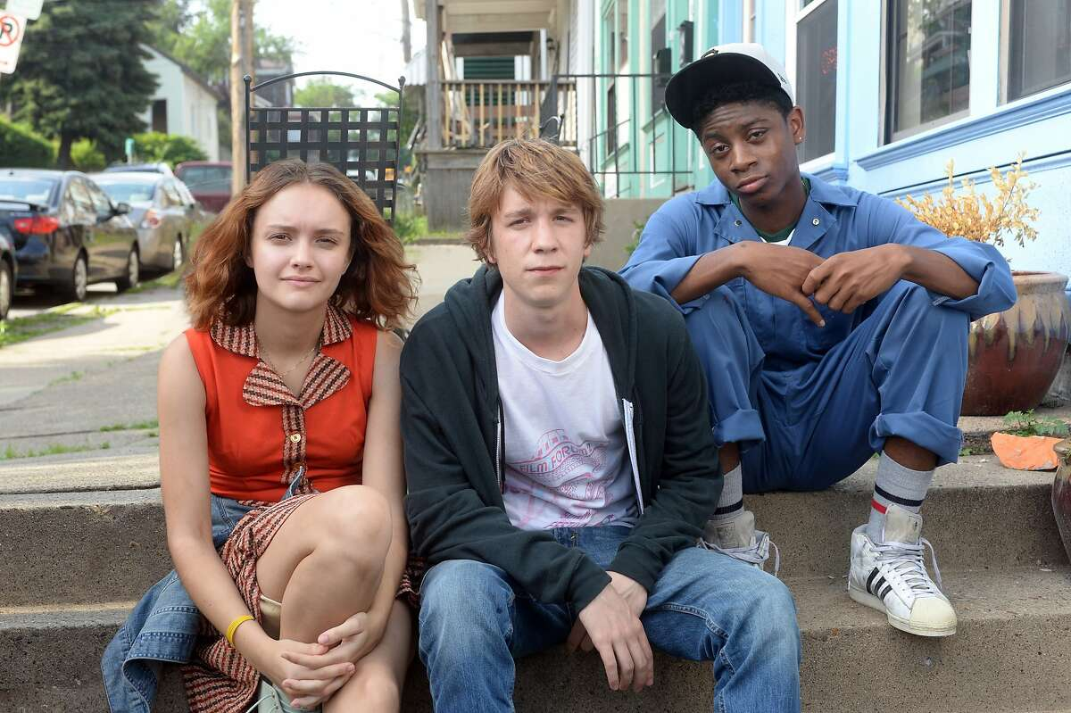 This photo provided by Fox Searchlight Pictures shows, Olivia Cooke, from left, as Rachel, Thomas Mann as Greg, and RJ Cyler as Earl, in a scene from the film,