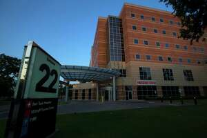 Harris Health looks at cutting back on free care - Photo
