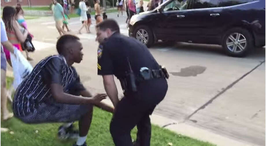 Police officer Eric Casebolt arrests juveniles allegedly involved in a fight at a community pool in McKinney, Texas on June 5, 2015. Photo: YouTube