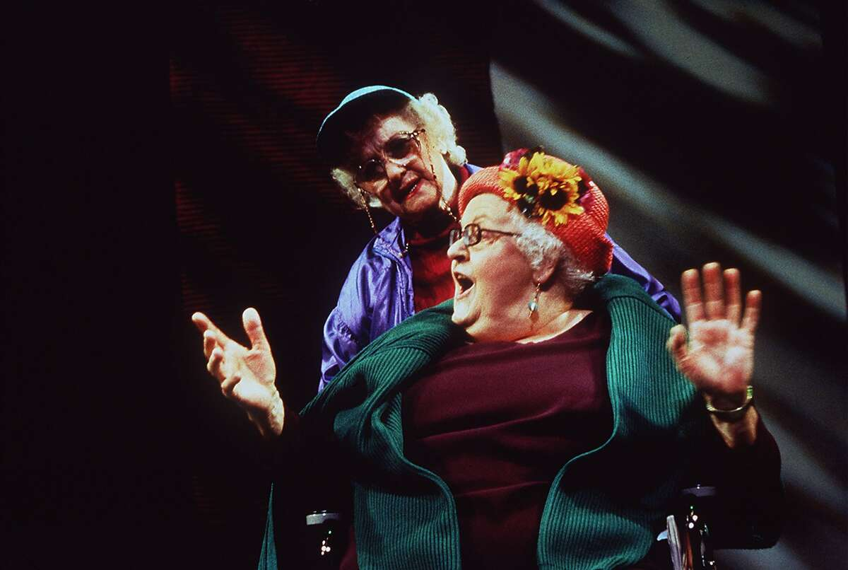 LEGACY1/C/02MAR99/DD/HO--Joan Roberts and Ronnie Gilbert in San Jose Rep's LEGACY.