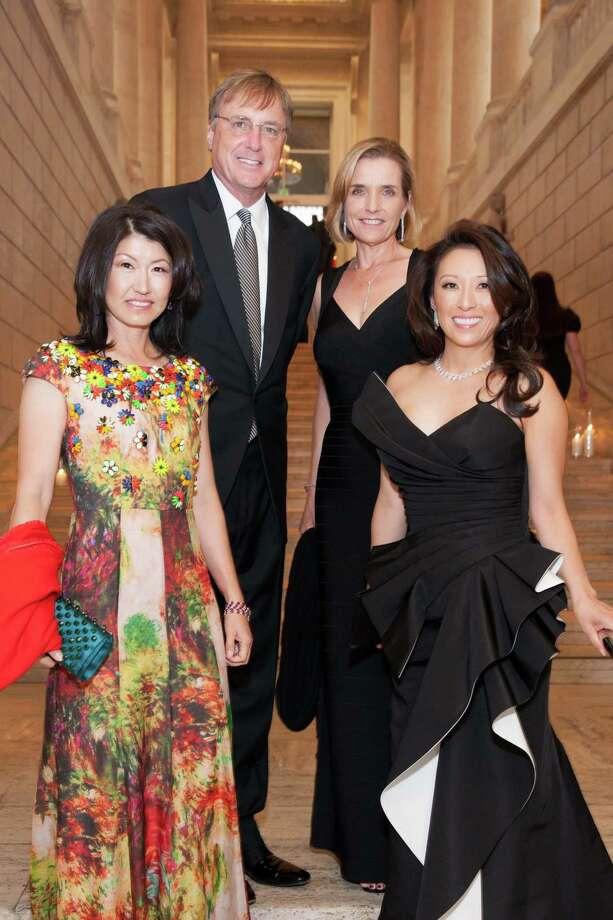 Akiko Yamazaki, Kirk Bostrom, Sue Bostrom and Cori Bates at the Asian Art Museum Opening Night Gala celebrating the exhibition 28 Chinese on June 3, 2015. Photo: Drew Altizer, Drew Altizer Photography