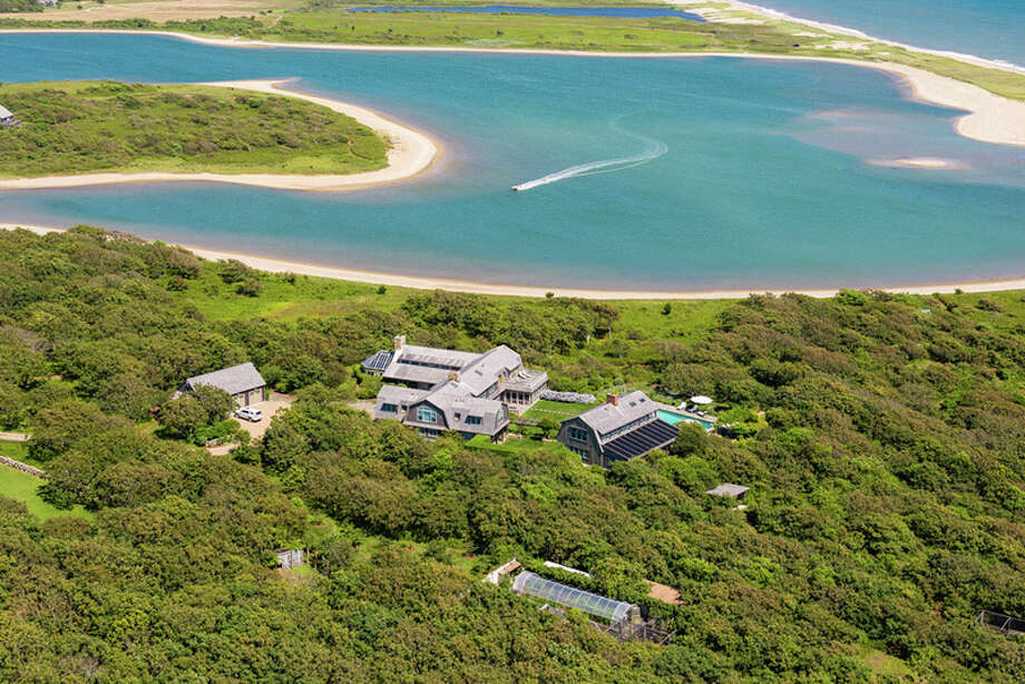 Martha's Vineyard luxury mansion rents for $150,000. Photo: Tyra Pacheco, Wallace & Co. Sotheby's International Realty / ©2013 Tyra Pacheco, All Rights Reserved