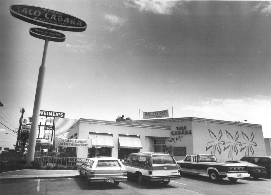 Taco Cabana at 7339 San Pedro Ave. (across the street from North Star Mall) as shown on June 22, 1992. Photo: Express-News File Photo / San Antonio Express-News