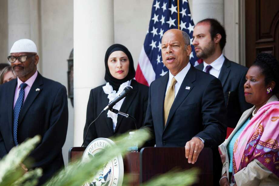 DHS Secretary Jeh Johnson visited Houston on Monday to defend Obama administration policies on immigration, saying the number of apprehensions of unauthorized migrants has dropped significantly since last summer. Photo: Marie D. De Jesus, Staff / © 2000 Houston Chronicle