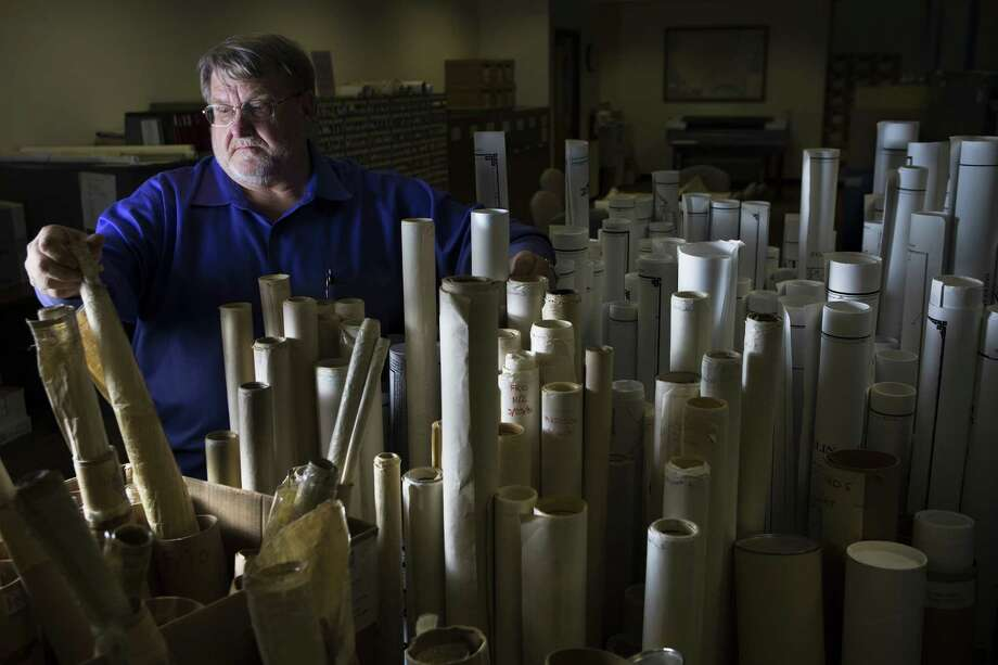 Texas Railroad Commission seismologist Craig Pearson has not publicly linked fracking to seismic activity. Photo: Marie D. De Jesus /Associated Press / Houston Chronicle