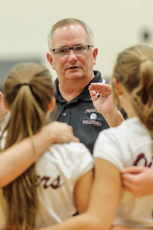 Pearland head Volleyball coach John Turner talks to his team during the game at Pearland, 09/05/14. Photo: ÂKim Christensen, Photographer / ©Kim Christensen