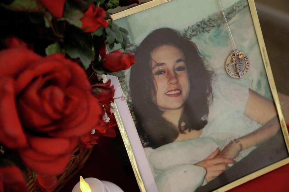 DNA testing debate clouds fate of convicted killer