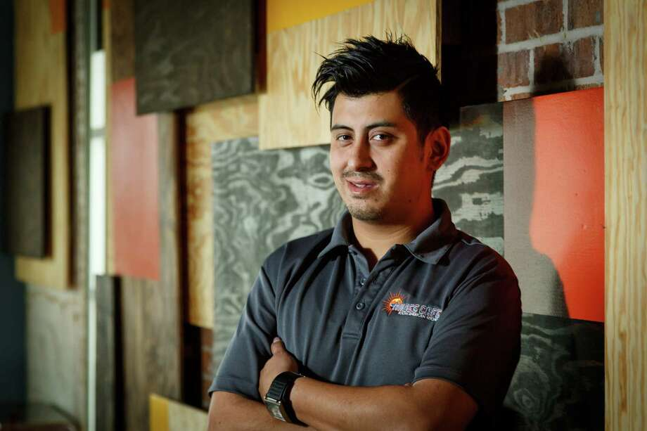David Guerrero at his new restaurant Andes Cafe which serves Peruvian and South American food on the east end, Thursday, Feb. 6, 2014, in Houston. ( Michael Paulsen / Houston Chronicle ) Photo: Michael Paulsen, Staff / © 2014 Houston Chronicle