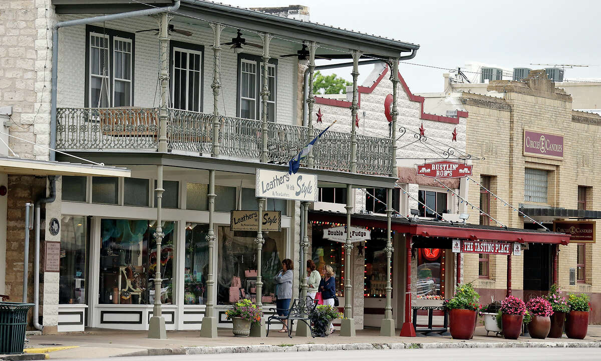 Main Street 1,784 reviews averaging four and one-half stars on TripAdvisor.