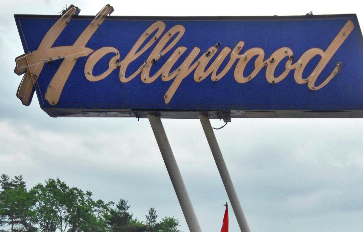 The Hollywood Drive-In in Averill Park: 8:55 p.m. - Jaws (PG) 11:00 p.m. (Jurassic Park (PG-13)