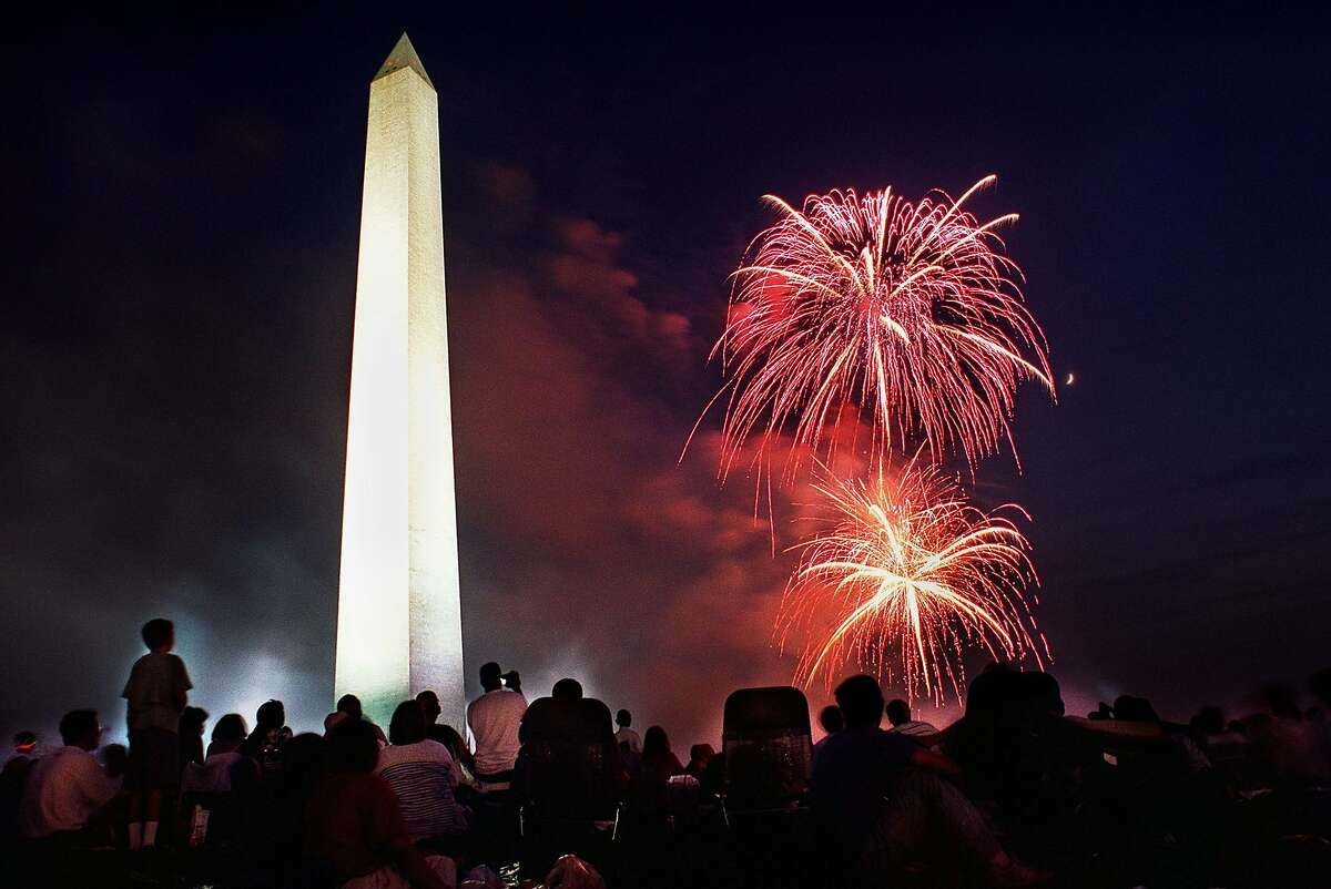 2.5 million In July 1776, the estimated number of people living in the newly independent nation. Source: U.S. Census