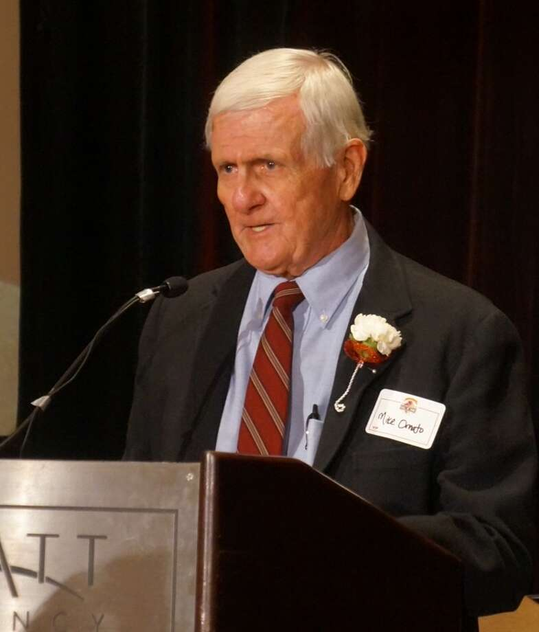 Former Greenwich High School football coach Mike Ornato speaks Wednesday at the Greenwich High Sports Hall of Fame induction ceremony. Photo: Paul Schott / Paul Schott / Greenwich Time