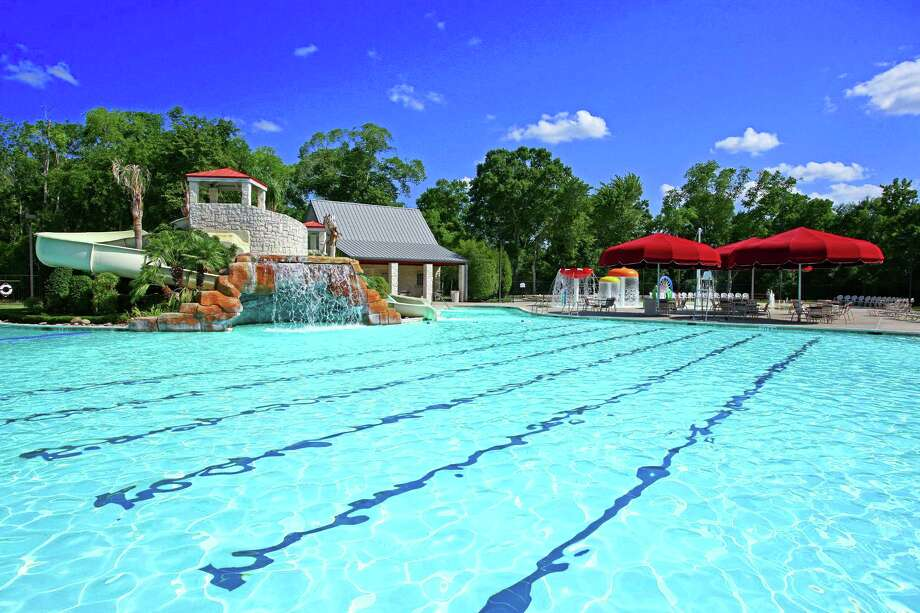 Summer fun at Cinco Ranch includes water parks, golf, activities and summer camps at the Lake House.