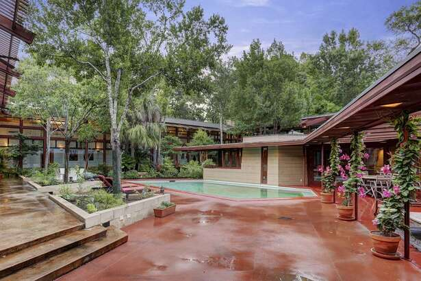 A home designed by famed, influential architect Frank Lloyd Wright is back on the market here in Houston for just under $3 million. Known as the Thaxton House, this is the only FLW home of its kind in Houston, making it especially unique. The home in the Bunker Hill area boasts seven bedrooms and six and a half bathrooms, plus plenty of foliage around it to forget you are located in the third-largest city in the country.