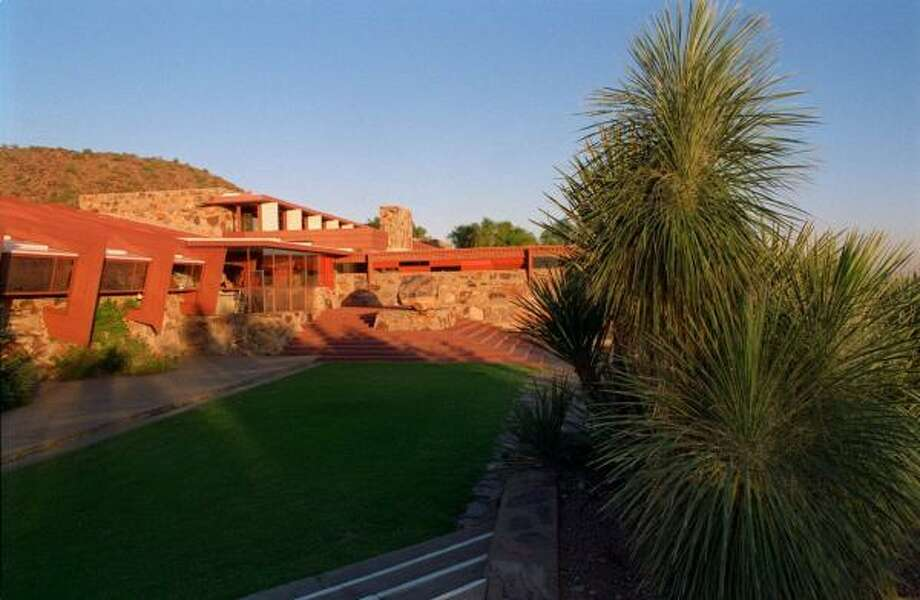 1. Scottsdale, Arizona ranks among the happiest places for rentals keep clicking to see the rest of the list. Photo: GERRY VOLGENAU, KRT