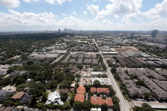 Skyline balcony view from Houston's newest luxury multifamily high-rise 2929 Weslayan Thursday June 10, 2015. 2929 Weslayan is a 40 story mixed-use project situated on 1.7 acres in the west inner loop. Featured amenities at 2929 Weslayan are a grotto pool & wet deck, skyline lounge, master grilling station with fire pit, and fitness center with refreshment bar. (Billy Smith II / Houston Chronicle)
