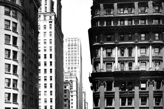 1938 photo of the Wells Fargo building in the Financial District.