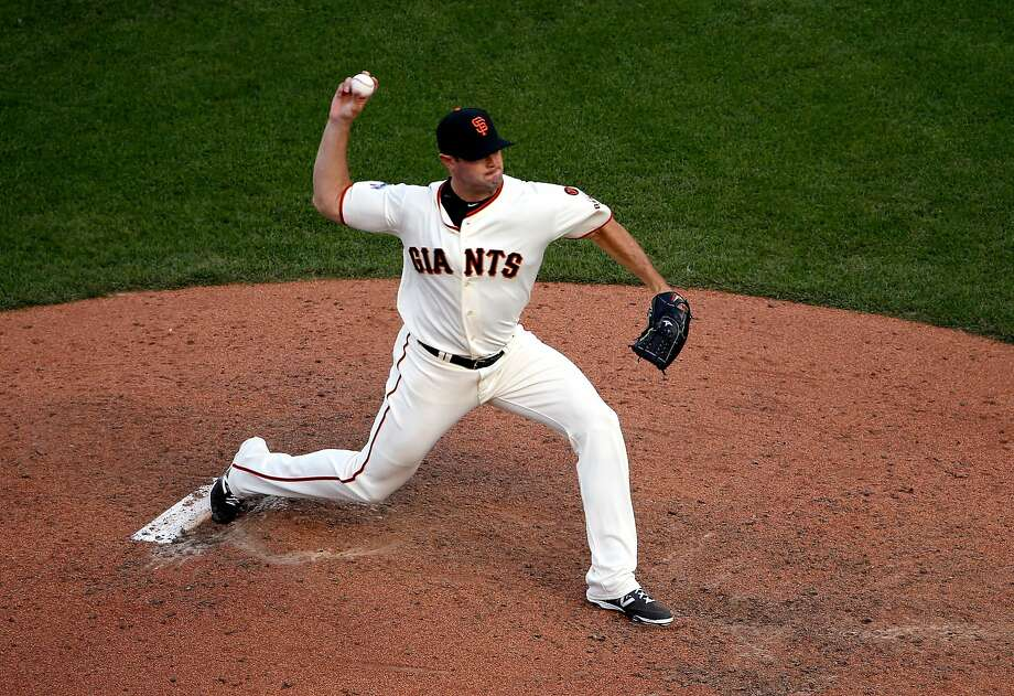 SAN FRANCISCO, CA - JUNE 13:  Mike Broadway #57 of the San Francisco Giants pitches against the Arizona Diamondbacks at AT&T Park on June 13, 2015 in San Francisco, California.  (Photo by Ezra Shaw/Getty Images) Photo: Ezra Shaw, Getty Images
