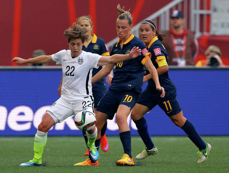U.S. defender Meghan Klingen­berg (22), seen in a match against Australia on Monday, has made big contri­butions in the World Cup. Photo: Kevin C. Cox, Staff / 2015 Getty Images