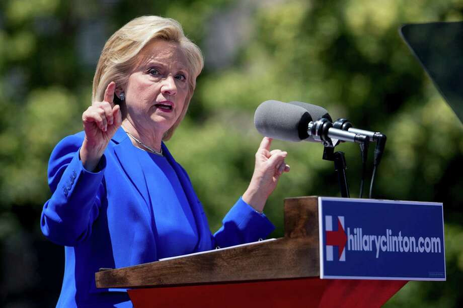 Democratic presidential hopeful Hillary Clinton took her campaign to New York's Roosevelt Island. Photo: Andrew Harrer / Bloomberg / © 2015 Bloomberg Finance LP