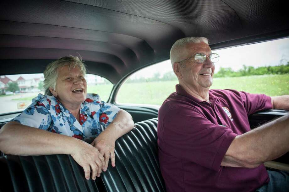 Margaret and Charles Kozlovsky take a drive in their Chevrolet in Waxahachie. They are part of an age demographic seeing few losses since the recession. Photo: BRANDON THIBODEAUX, STR / NYTNS