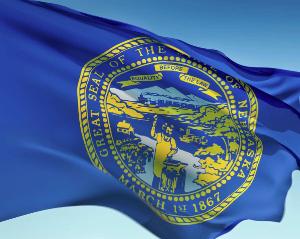 Nebraska:Papillion Population: 21,100 Has a Bachelor's Degree or Higher: 39.2% Highest Degree Attained: -Bachelor's Degree: 25.9% -Graduate Degree: 13.3% Average Per Capita Income: $33,658