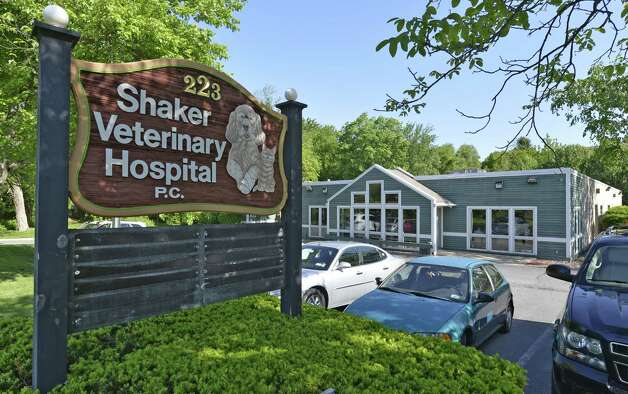 Exterior view of the facility Friday May 30, 2014 at the Shaker Veterinary Hospital in Colonie, N.Y.    (Skip Dickstein/Times Union) ORG XMIT: MER2014061308493893 Photo: SKIP DICKSTEIN / 00027065A