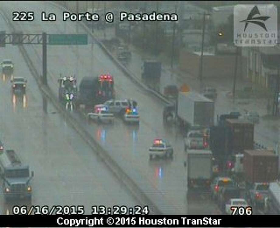 A big rig accident on Texas 225 has stalled westbound traffic at Pasadena Boulevard. (TranStar)