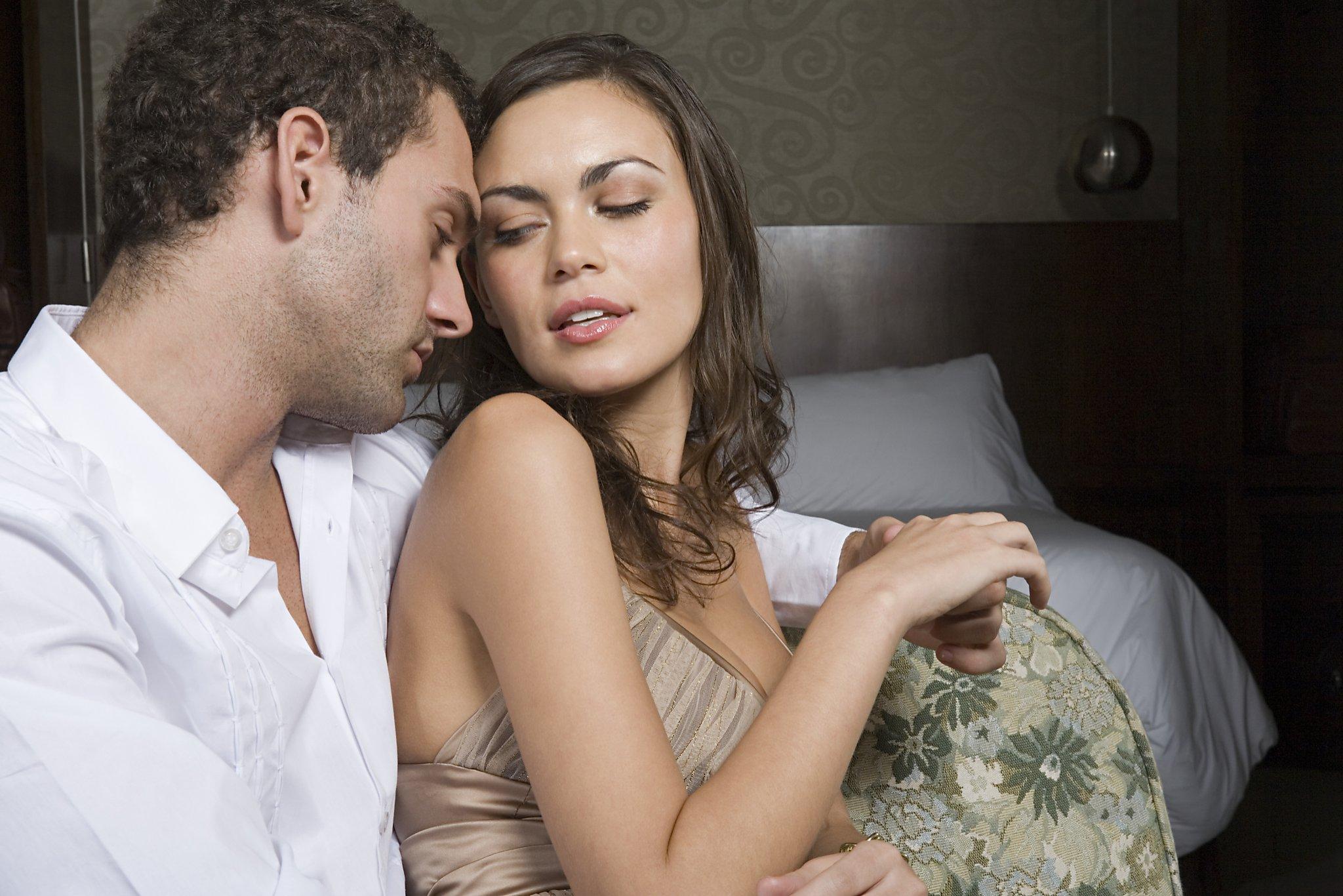 Смотреть онлайн жена не знала что с мужем будет еще и друг 1 фотография
