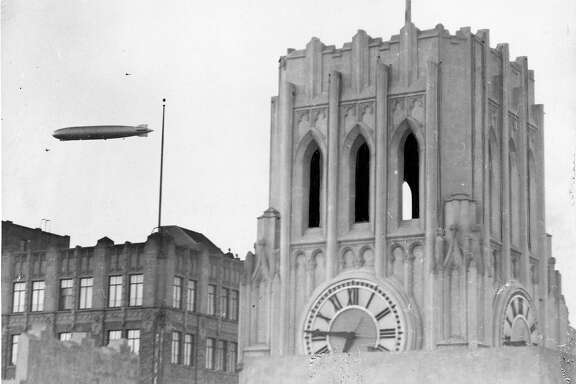 The Graf Zeppelin flies near the Chronicle building, August 25 1929 Photo ran 08/26/1929