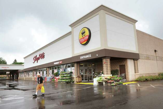 ShopRite on Central Avenue on Tuesday, June 16, 2015, in Colonie, N.Y. (Cindy Schultz / Times Union) Photo: Cindy Schultz / 00032302A