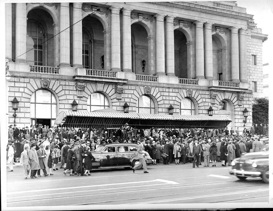 The delegates and spectators rubbed shoulders on the sidewalk in front of the Opera House in San Francisco, as they filed from the building after the opening session of the United Nations conference  AP Photo date 04/25/1945