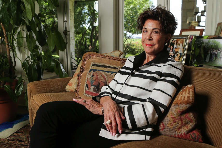 Joci Straus, a civic leader who, among other things, led the effort to restore the Majestic and Empire Theatres, at her home on June 12. Photo: Marvin Pfeiffer /San Antonio Express-News / Express-News 2015