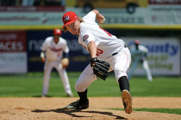 ValleyCat's Adam Whitt winds up a pitch during an exhibition game against the Dutchmen on Wednesday, June 17, 2015, at Joe Bruno Stadium in Troy, N.Y. (Cindy Schultz / Times Union) Photo: Cindy Schultz / 00032314A
