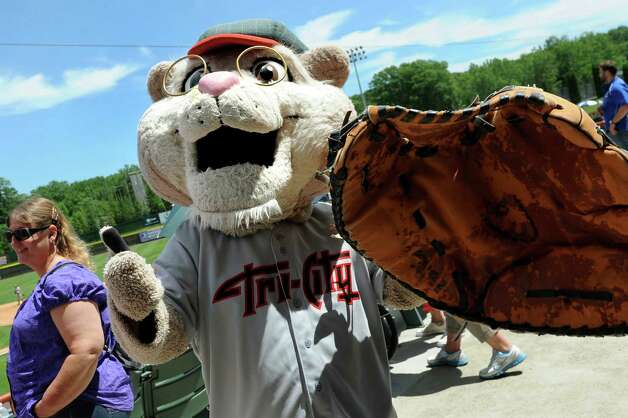 ValleyCats' mascot Pappy shows off his enormous baseball glove during an exhibition game against the Dutchmen on Wednesday, June 17, 2015, at Joe Bruno Stadium in Troy, N.Y. (Cindy Schultz / Times Union) Photo: Cindy Schultz / 00032314A