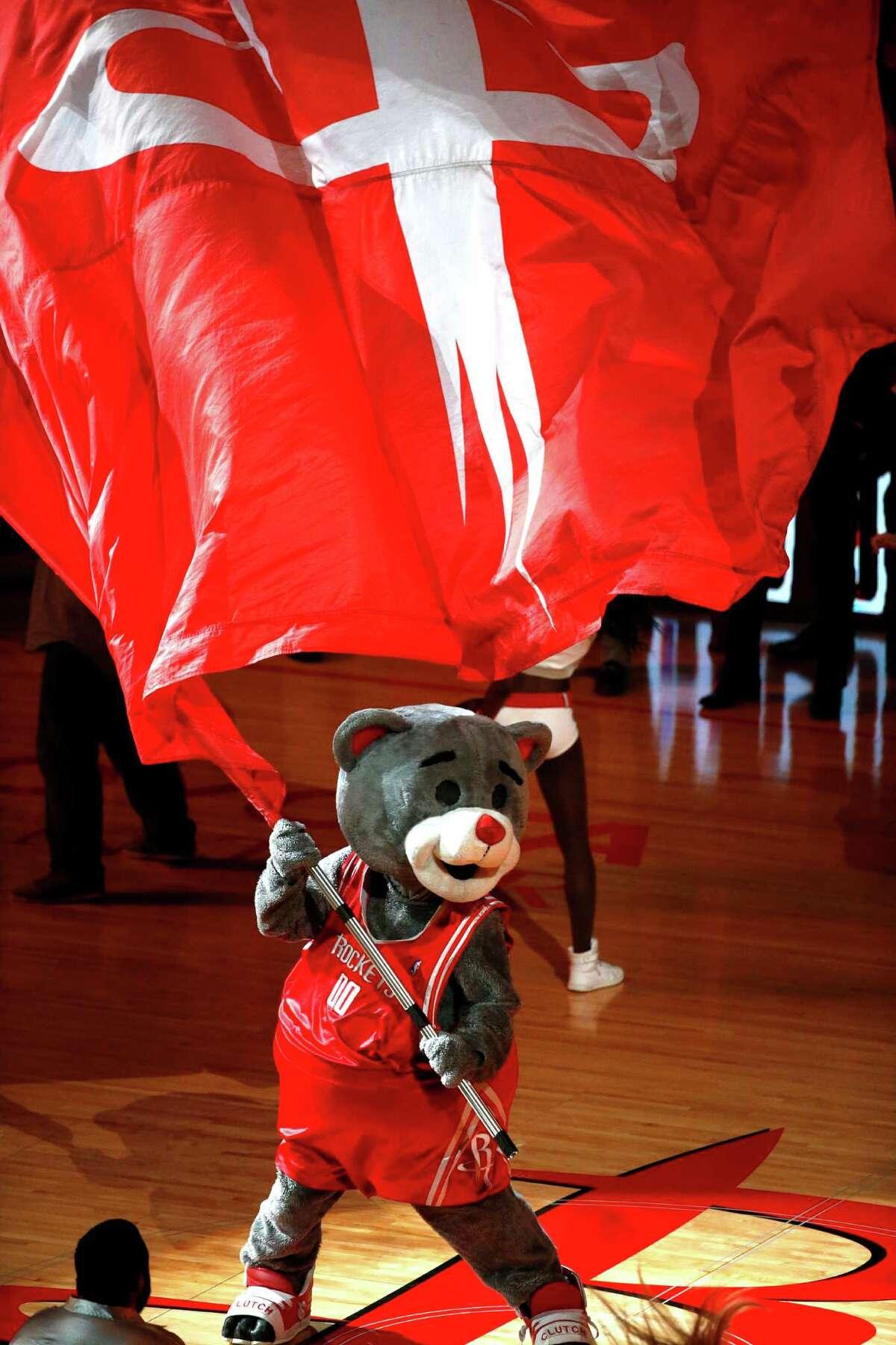 Rockets mascot Clutch the Bear