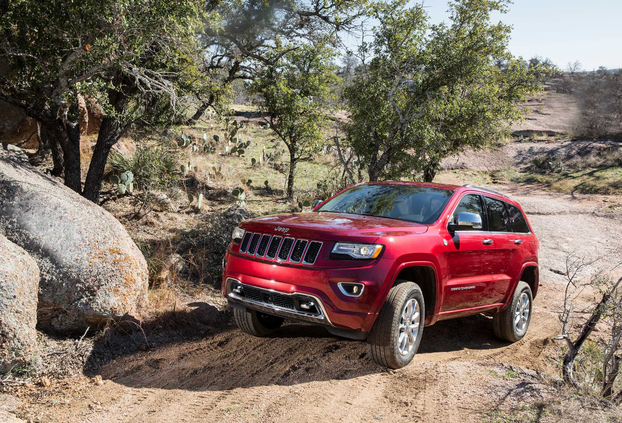 2015 Jeep Grand Cherokee keeps updates from latest model